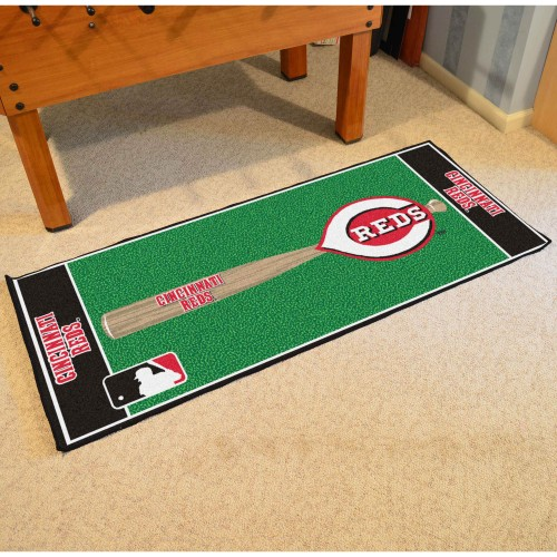MLB - Cincinnati Reds Baseball Runner 30
